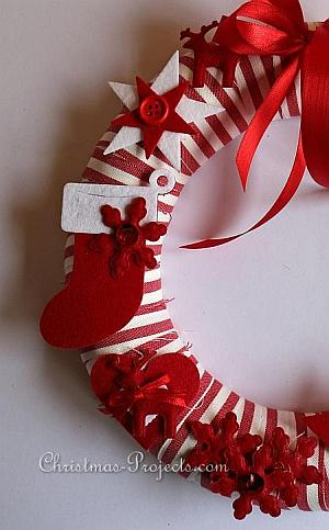 Red and White Christmas Wreath 2