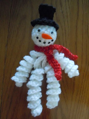 Crochet Curly Snowman Ornament - Craft Elf