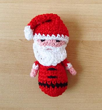 Crochet Santa Ornament - Little Things Blogged
