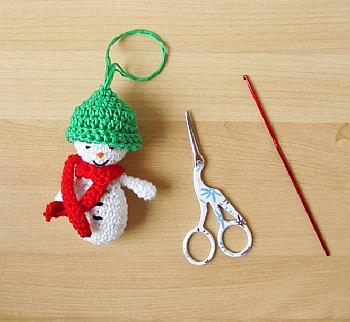 Crochet Snowman Ornament - Little Things Blogged
