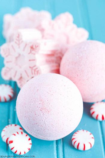 DIY Peppermint Bath Bombs - A Pumpkin and a Princess