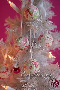 Decopatch Christmas Baubles 200