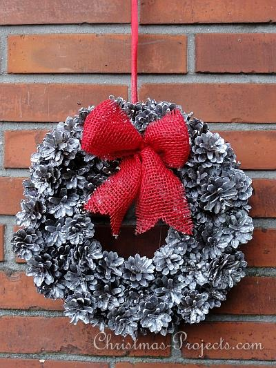 Craft Ideas  Pine Cones on Pine Cone Wreath 1