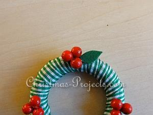 Tutorial - Mini-Wreath Ornaments 7