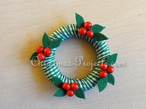 Tutorial - Mini-Wreath Ornaments 8