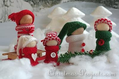 Wooden Snow Family 1